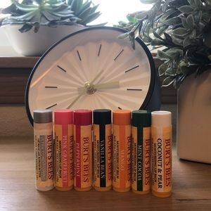 🎉 BUNDLE 🎉 7 Burt's Bees Lip Balms